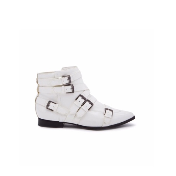 Matisse White Buckle Ankle Bootie Nwot